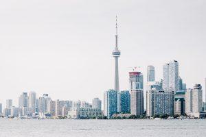 Ve la ciudad de Toronto desde las alturas.