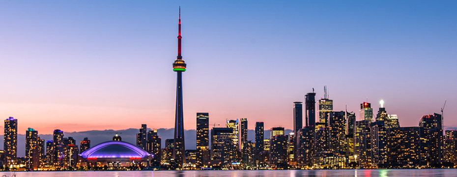 Sunset of buildings Cn Tower Canadá